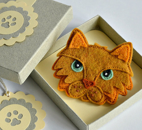 Felt Cat by Creatures in Stitches